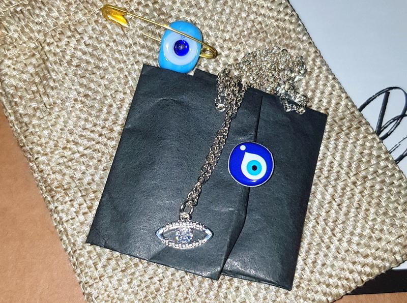 21 buttons & Doris Blanc Pin